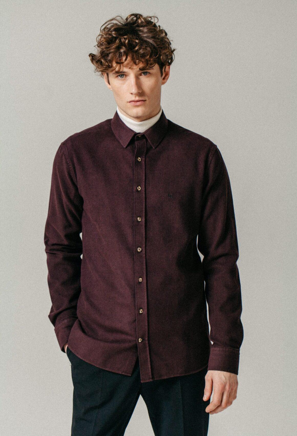 Burgundy ÓÐINN shirt