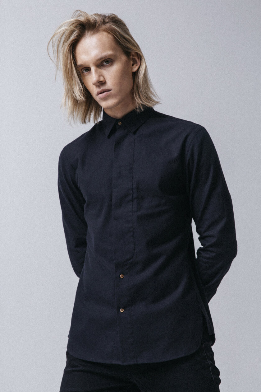 Navy Vík Shirt